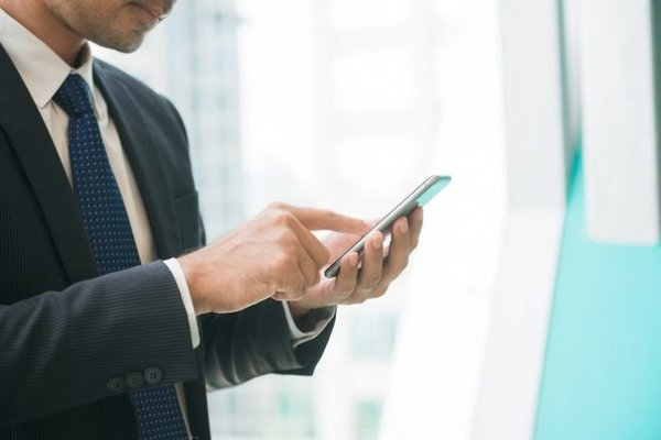 """""""Soi mói"""" ưu và nhược của các app làm việc online tại nhà 2020 1"""