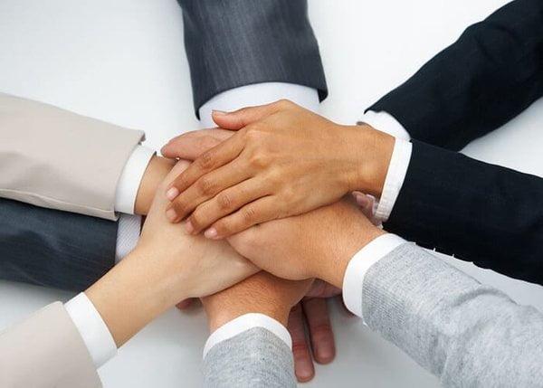 Làm sao để nhân viên đoàn kết hơn trong một tổ chức tập thể? 1