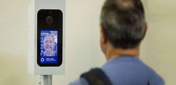 Chấm công bằng face ID có gì tiện lợi hơn hình thức chấm công cũ?2