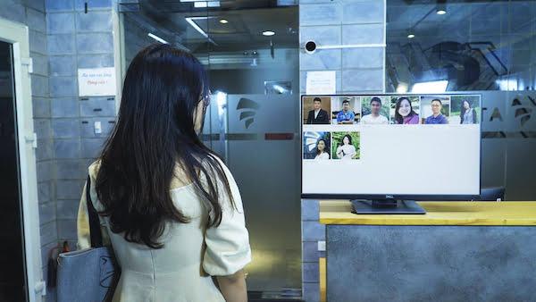 Review giải pháp camera chấm công quản lý bằng điện thoại 1